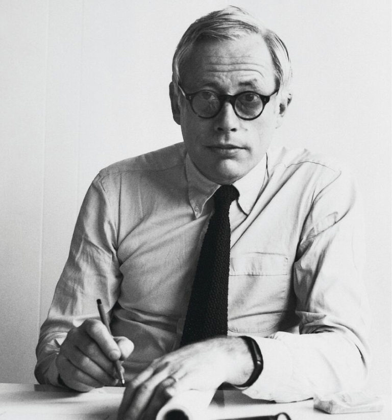 Black-and-white portrait of Dieter Rams.